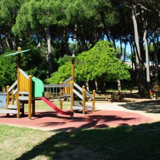 jeux d'enfants au jardin botanique