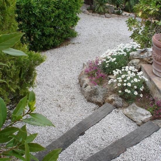côté jardin accès aux chambres
